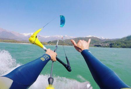 Lezioni di Kitesurf al Lago di Santa Croce alla scuola RideWithUs